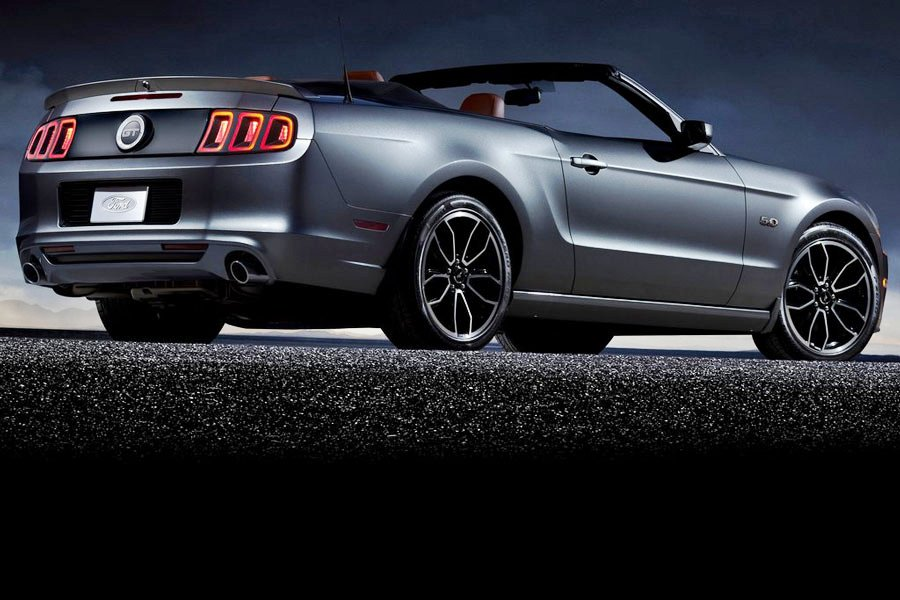 2013 Ford Mustang GT Convertible 3 2013 Ford Mustang GT Convertible with Max Fuel Economy