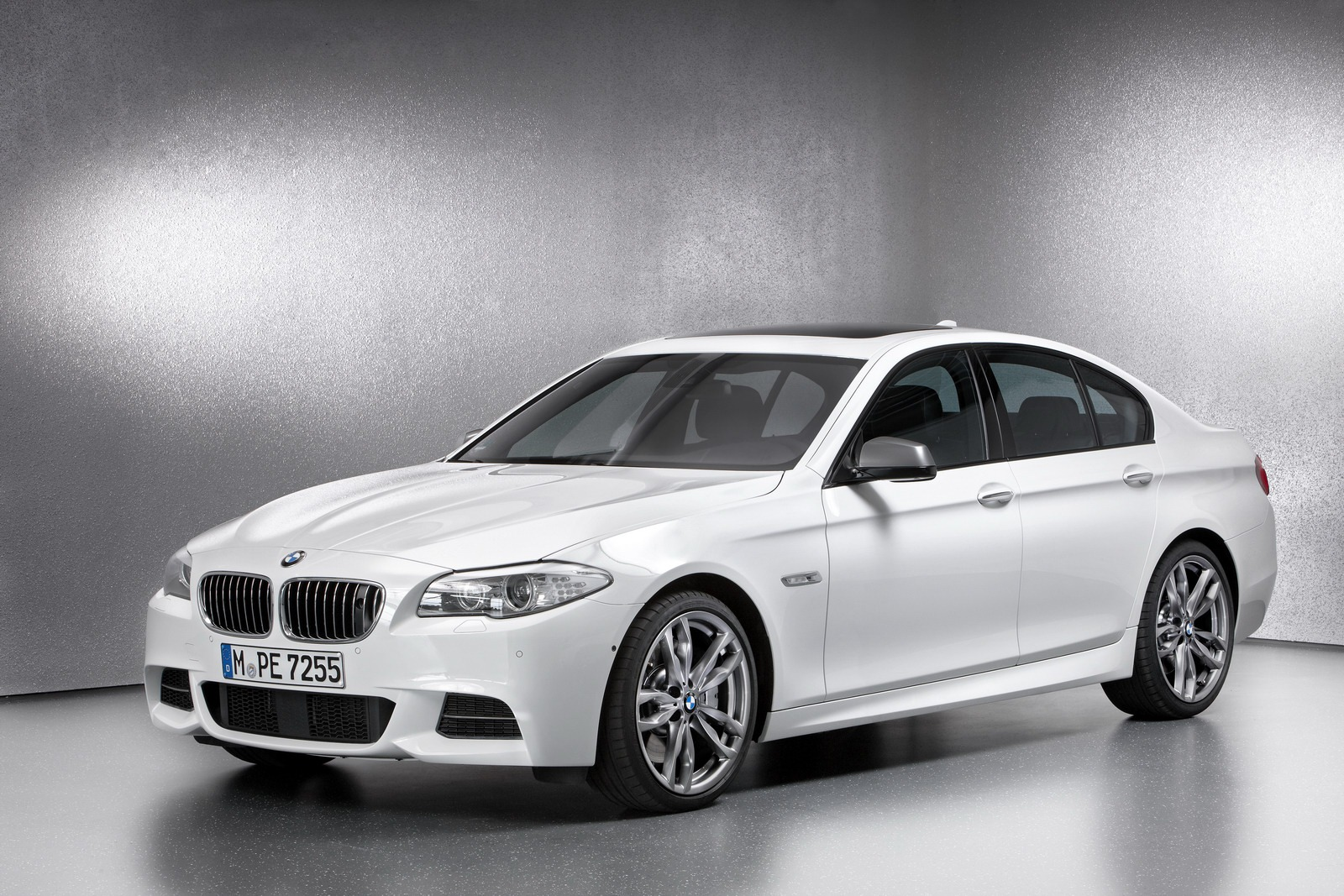 BMW M550d 12 M550d xDrive Touring, X5 M50d and X6 M50d to Be Launched by BMW