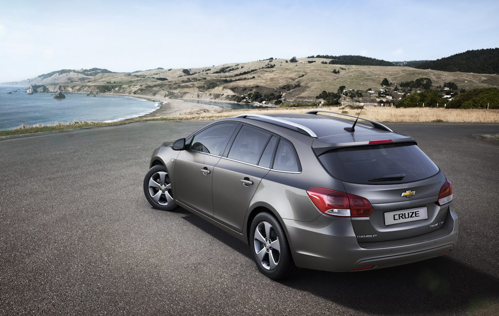 2012 Chevrolet Cruze Station Wagon 2012 Chevrolet Cruze Station Wagon   Changes in the Upgradation of Lighting Fixtures and Drive Train