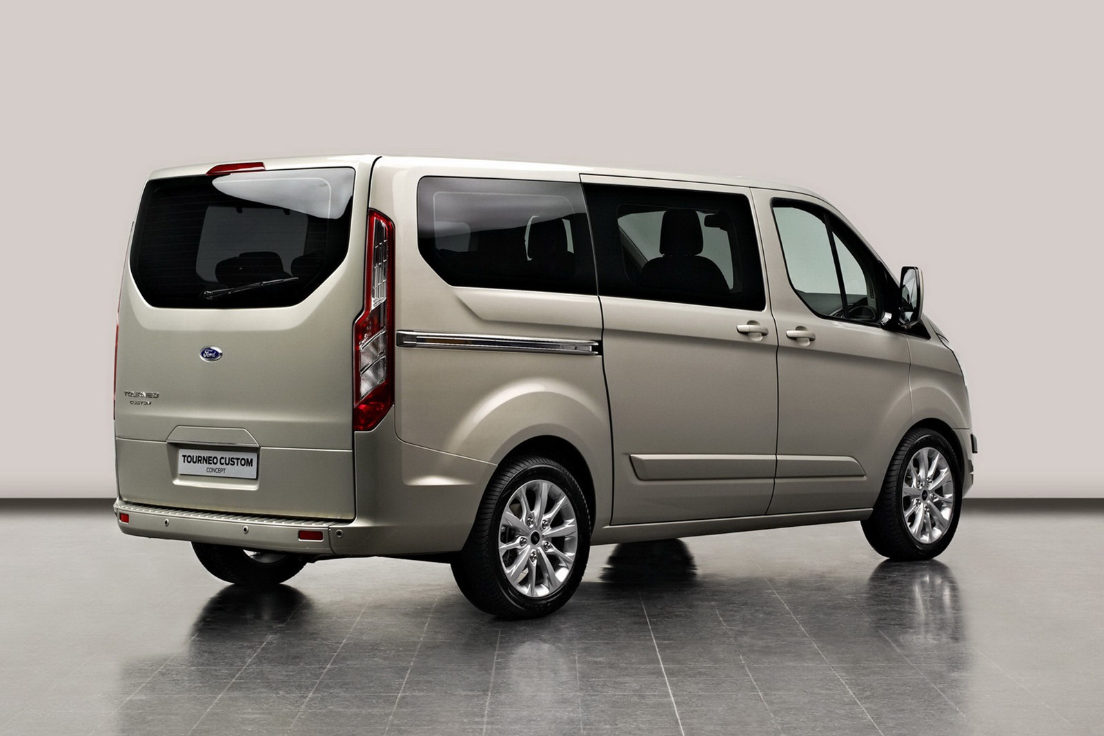 2012 ford transit with tourneo custom concept. Black Bedroom Furniture Sets. Home Design Ideas