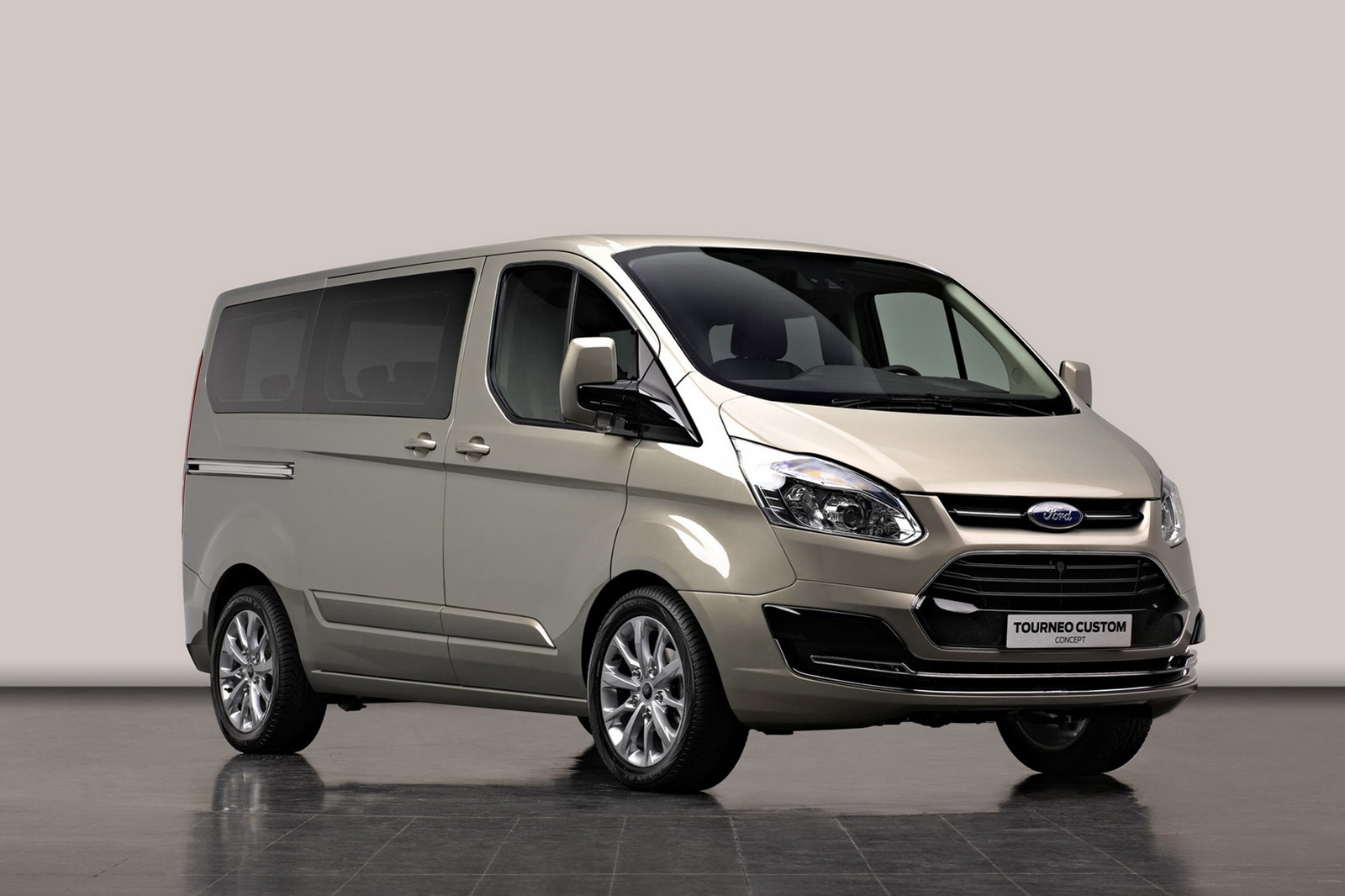2012 Ford Tourneo Custom Concept 5 2012 Ford Transit with Tourneo Custom Concept