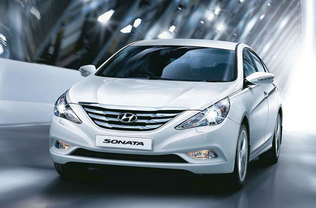2012 Hyundai Sonata Fluidic 2012 Hyundai Sonata Fluidic   Features and Specifications