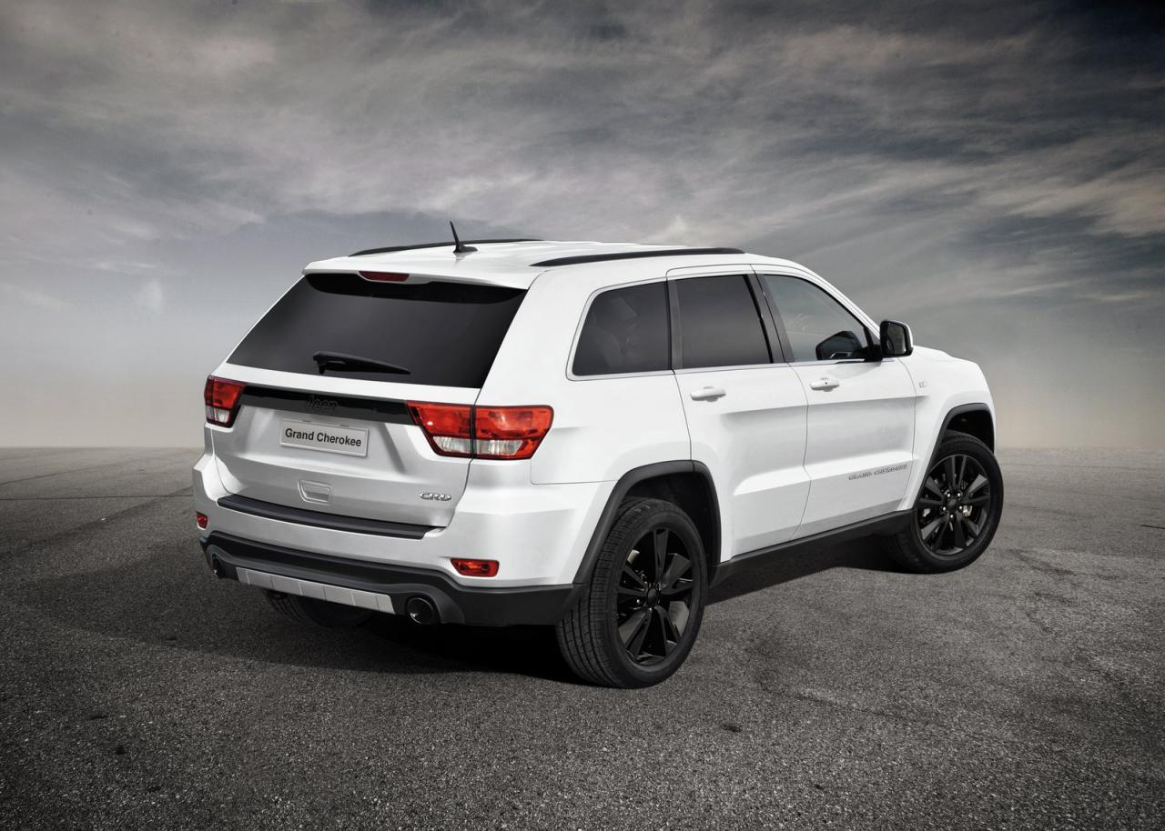2012 jeep grand cherokee sports concept revealed. Black Bedroom Furniture Sets. Home Design Ideas