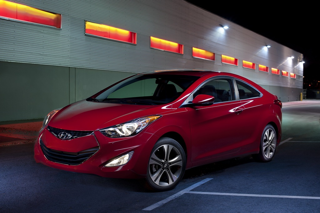 2013 Hyundai Elantra Coupe 3 2013 Hyundai Elantra Coupe – A Short Analytical Review