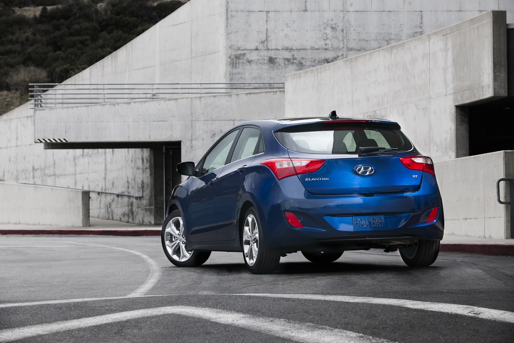 2013 Hyundai Elantra GT Hatch 5 2013 Hyundai Elantra GT Hatch   Speedier, Swifter and More Charismatic