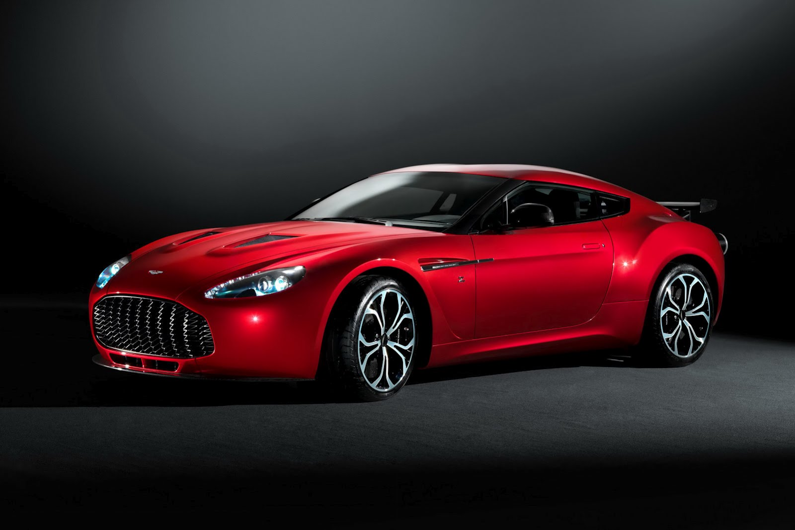 Aston Martin V12 Zafato Final Version of Aston Martin V12 Zagato   More Performance Based, Classic in Design with a Compact Drive Train Kit