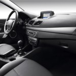 2012 Renault Fluence Black Edition (2)