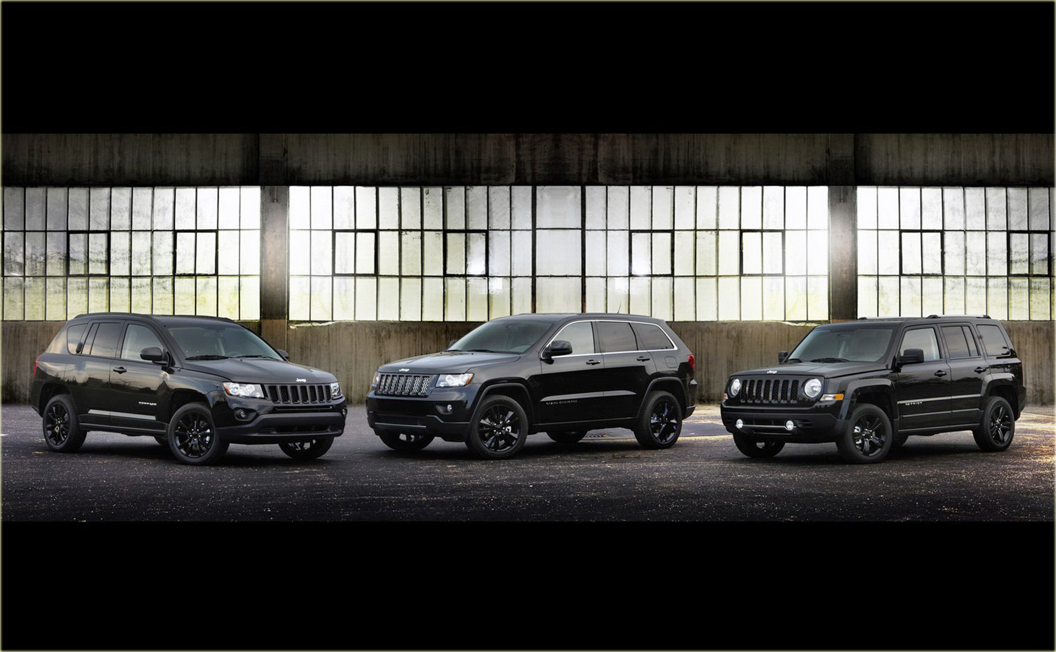 Jeep Comass Patriot and Grand Cherokee Altitude Editions 2 copy Jeep Debuts Murdered Out Altitude Editions of Grand Cherokee, Compass and Patriot
