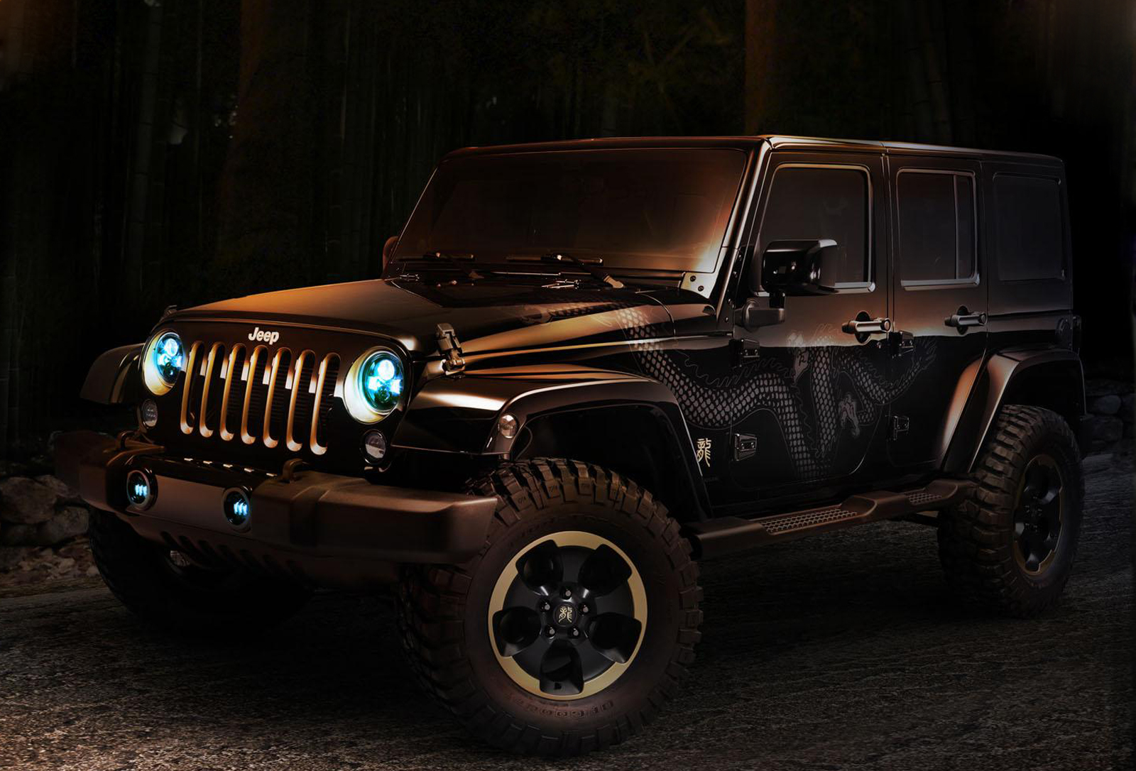 2012 Jeep Wrangler Dragon Concept 2 2012 Chrysler 300 Ruyi Concepts and Jeep Wrangler Dragon Concepts revealed