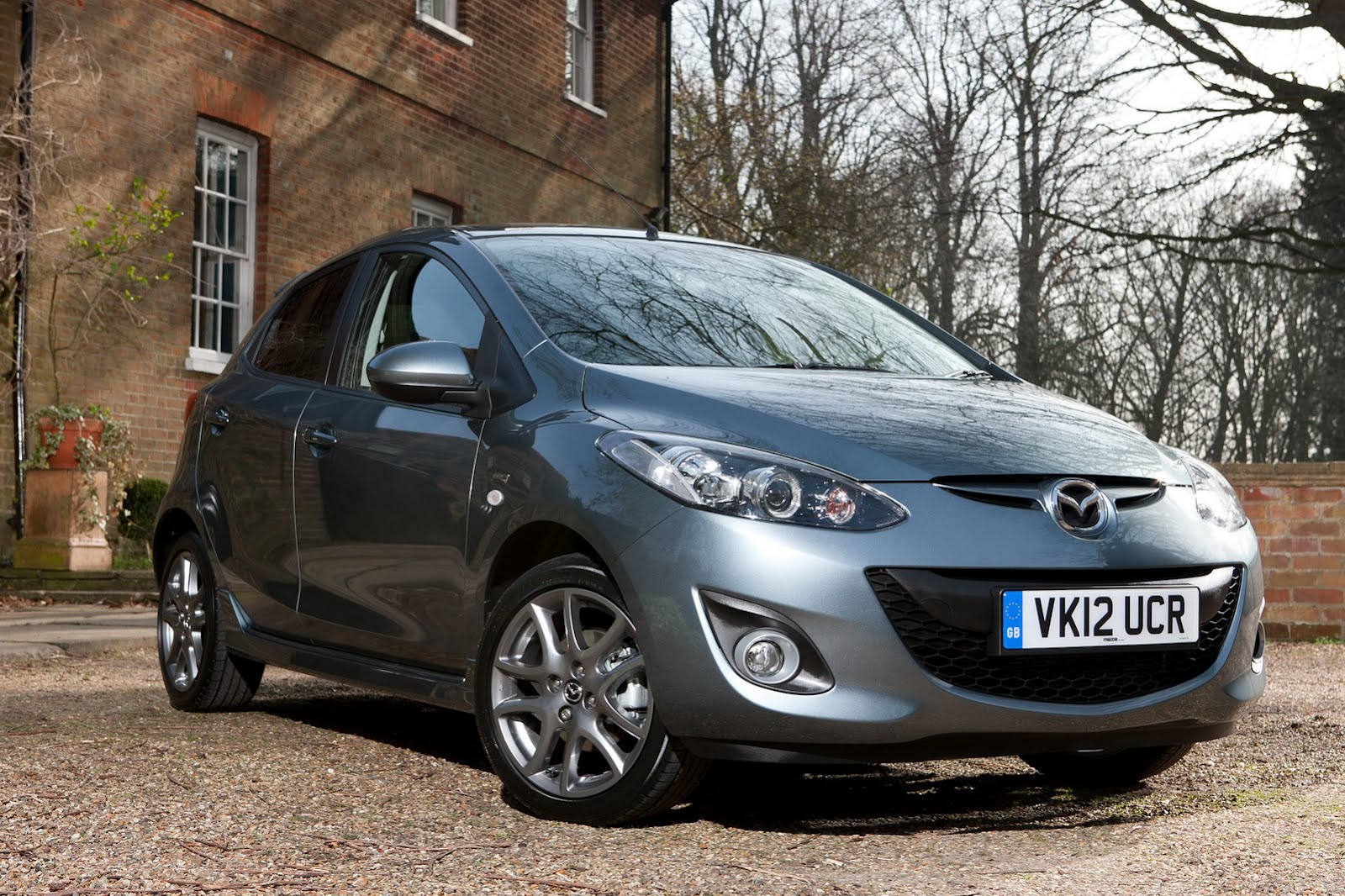 2012 Mazda2 Venture Edition 2012 Mazda2 Venture Edition – Superb Curb Appeal