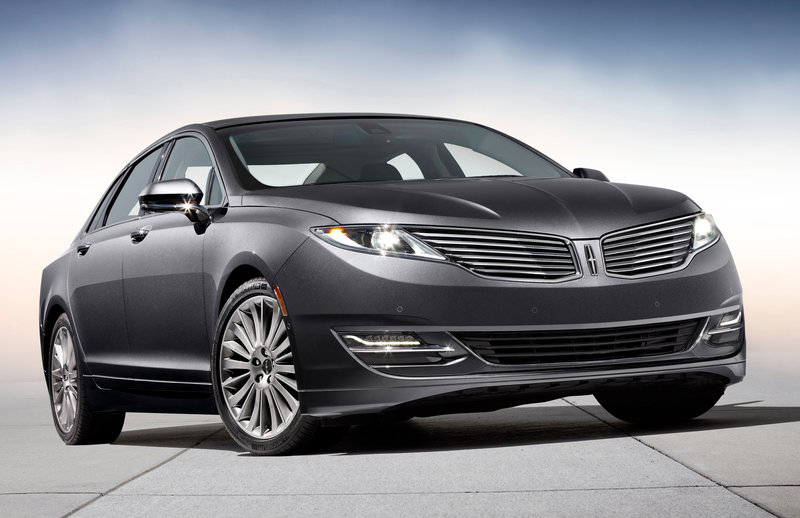 2013 Lincoln MKZ 2013 Lincoln MKZ with Split Wing Grilles – Fantastic Curb Appeal