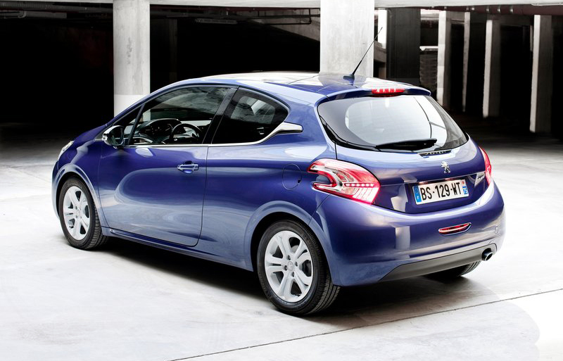 Peugeot 208 2013 1 2013 Peugeot 208 Emphasizes Usage of Aerodynamic Tools to Tune up Cars