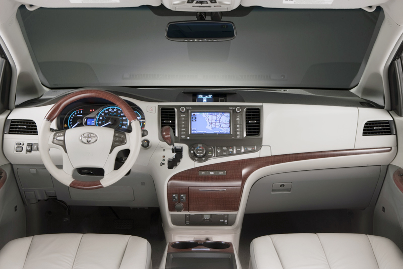 2013 Toyota Sienna 1 2013 Toyota Sienna – Performance plus Technical Configuration   A Report