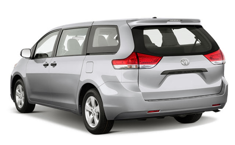 2013 Toyota Sienna 2 2013 Toyota Sienna – Performance plus Technical Configuration   A Report