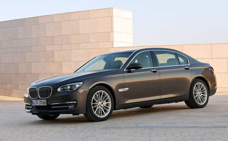 BMW 750Li 2013 The powerfully Built 2013 BMW 750Li