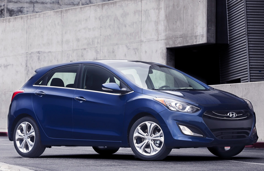 2013 Hyundai Elantra GT 1 2013 Hyundai Elantra GT   An Aerodynamic Vehicle with Excellent Curb Appeal