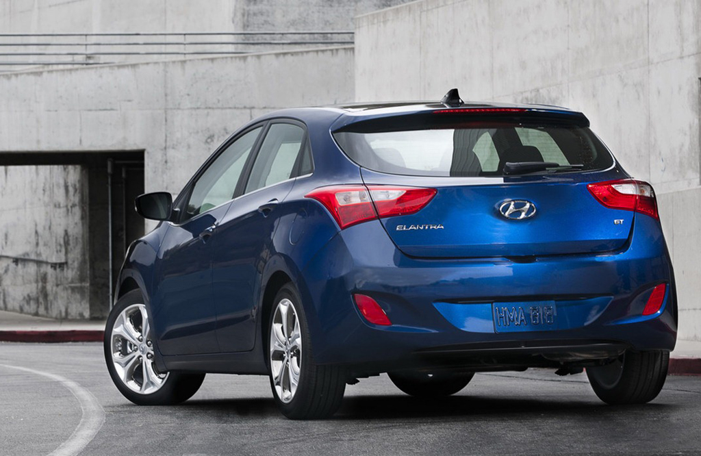 2013 Hyundai Elantra GT 2 2013 Hyundai Elantra GT   An Aerodynamic Vehicle with Excellent Curb Appeal