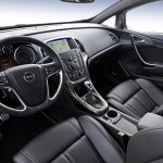 2013-Opel-Astra_OPC (5)