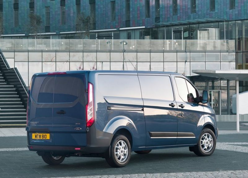 2013 Ford Transit Custom 3 2013 Ford Transit Custom   Dashing Car Features and details