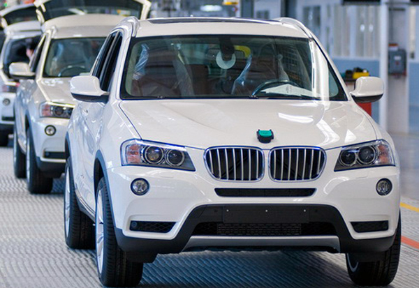 2013 BMW X3 sDrive18d The best fuel saving car among all the premium brands   2013 BMW X3 sDrive18d