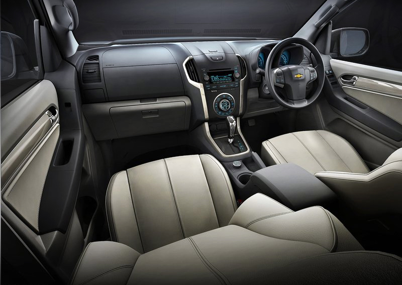 2013 Chevrolet Trailblazer 2 The stronger 2013 Chevrolet Trailblazer means business