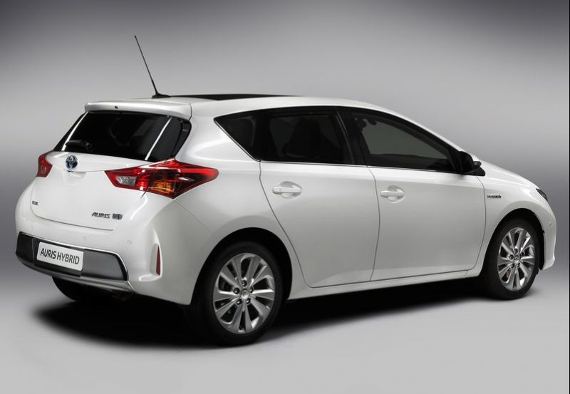 2013 Toyota Auris 2 The all new improved Toyota offering  2013 Toyota Auris