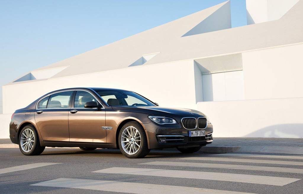 2013 BMW 760Li V 12 2013 BMW 760Li V 12   A Review