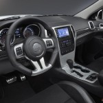 2013-Jeep-Grand-Cherokee-SR8 Special Edition (2)