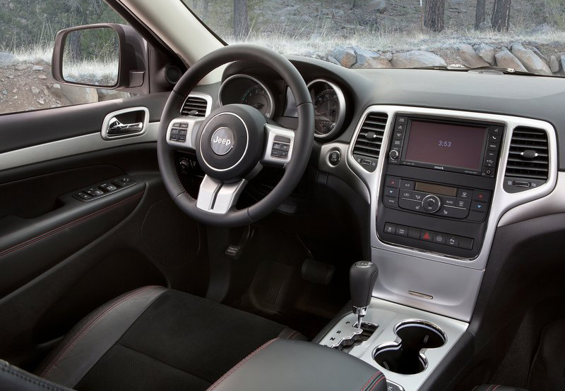 2013 Jeep Grand Cherokee Trailhawk 5 2013 Jeep Grand Cherokee Trailhawk   is sturdy and robust