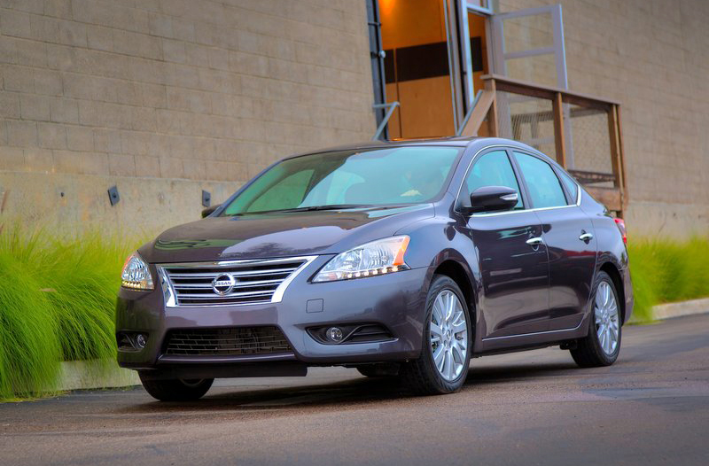 2013 Nissan Sentra 2013 Nissan Sentra   Famous for Style, Color Contrast and Design