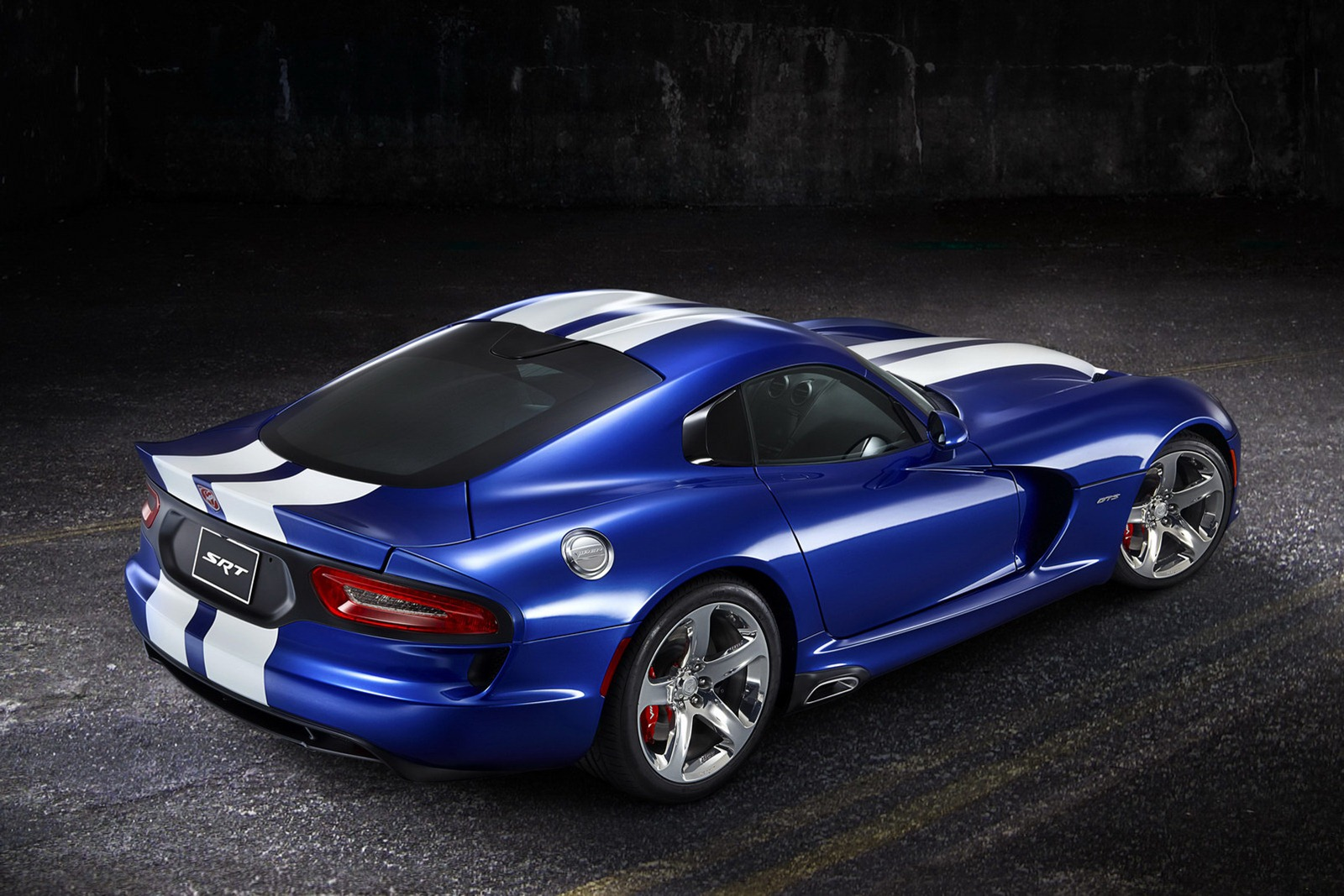 2013 SRT Viper 1 2013 SRT Viper is luxurious and clearly expensive