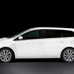 2013 Toyota Auris Touring Sports (1)