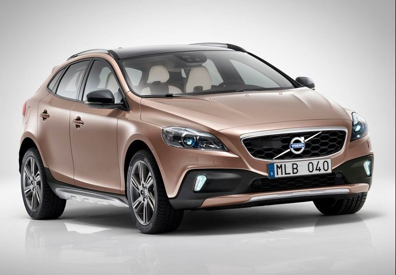 2013 Volvo V40 Cross Country 1 2013 Volvo V40 Cross Country to be launched at the Paris Motor Show