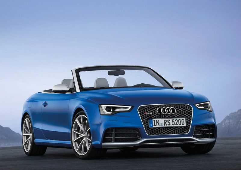 2014 Audi RS5 Cabriolet 3 2014 Audi RS5 Cabriolet with a Glossy Compartment