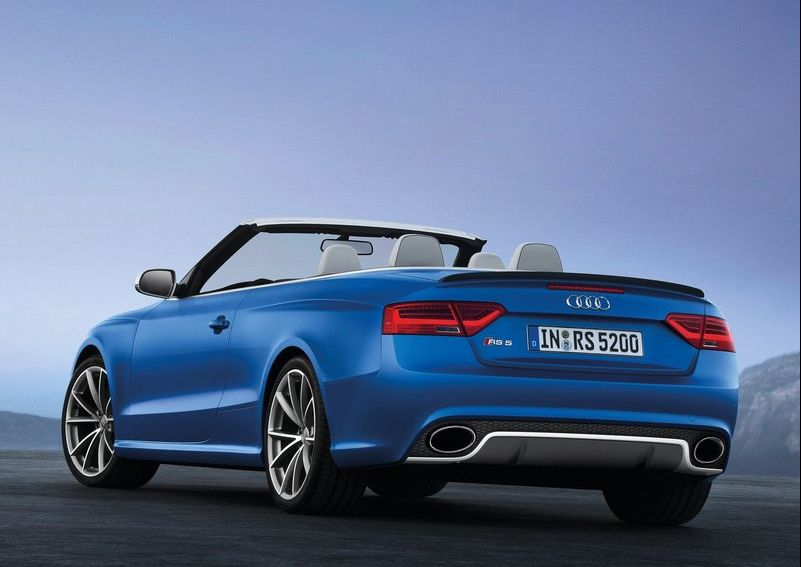 2014 Audi RS5 Cabriolet 5 2014 Audi RS5 Cabriolet with a Glossy Compartment