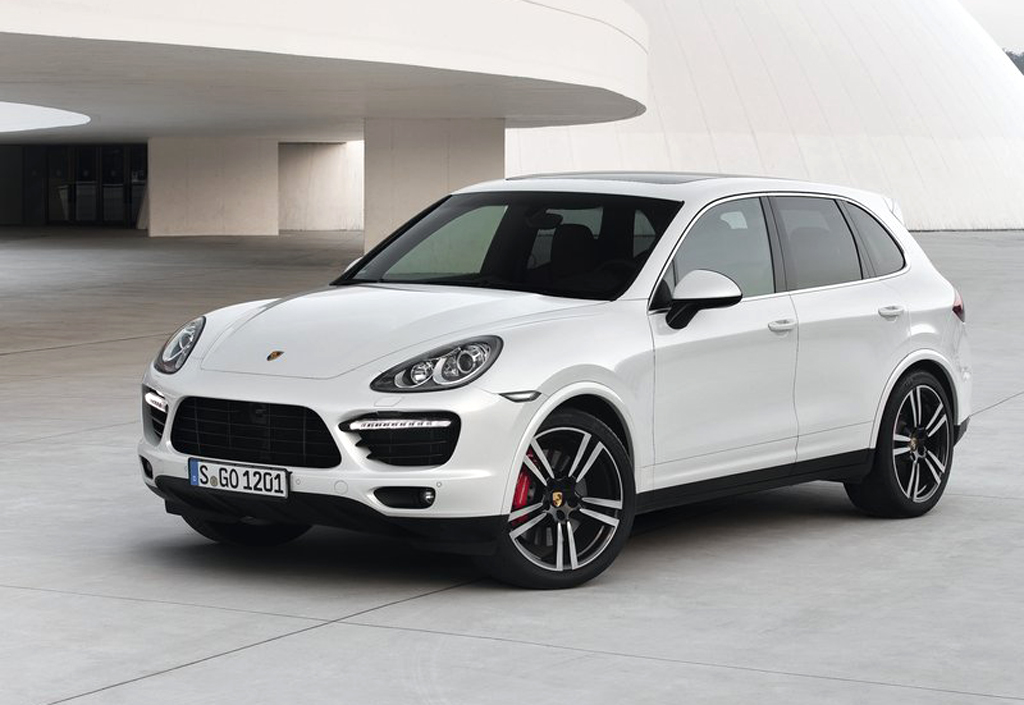 2013 Porsche Cayenne Turbo S 2013 Porsche Cayenne Turbo S has top end features