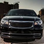2013 Chrysler Town And Country S (3)