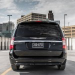2013 Chrysler Town And Country S (4)