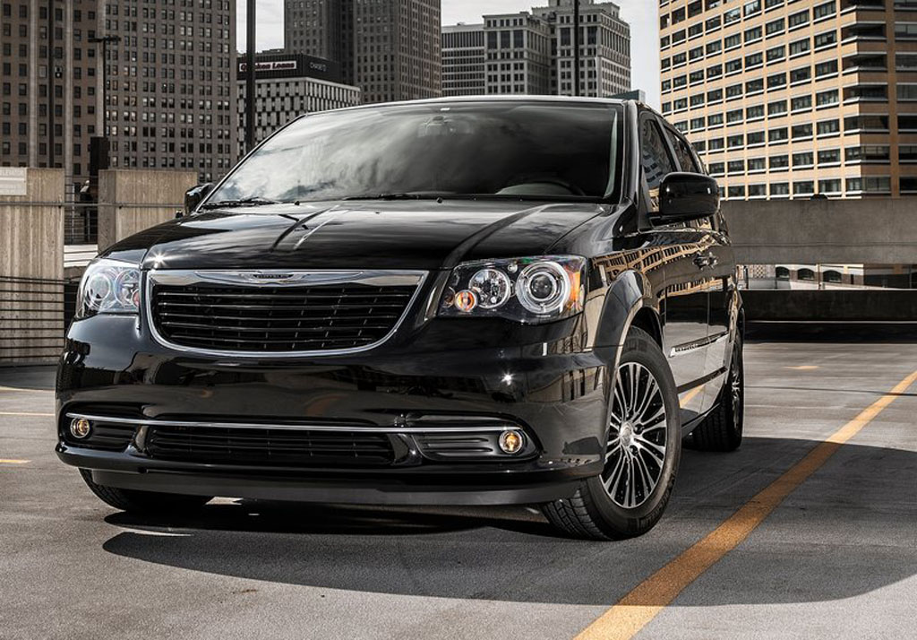 2013 Chrysler Town And Country S 2013 Chrysler Town And Country S