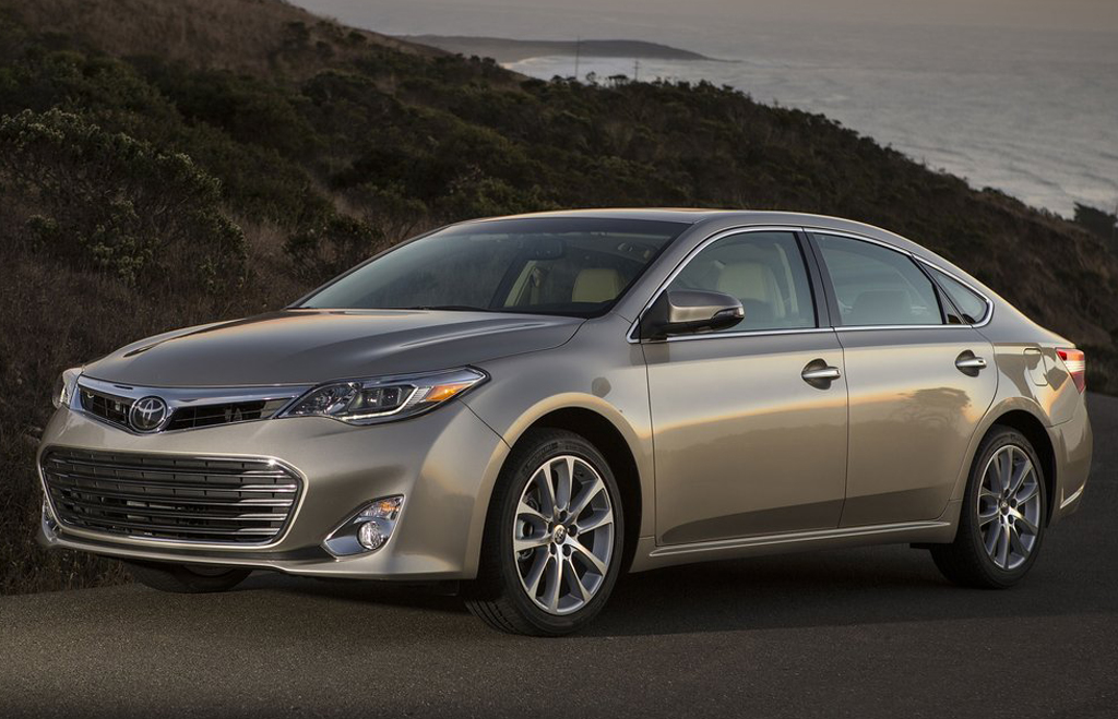 2013 Toyota Avalon revealed | machinespider.com