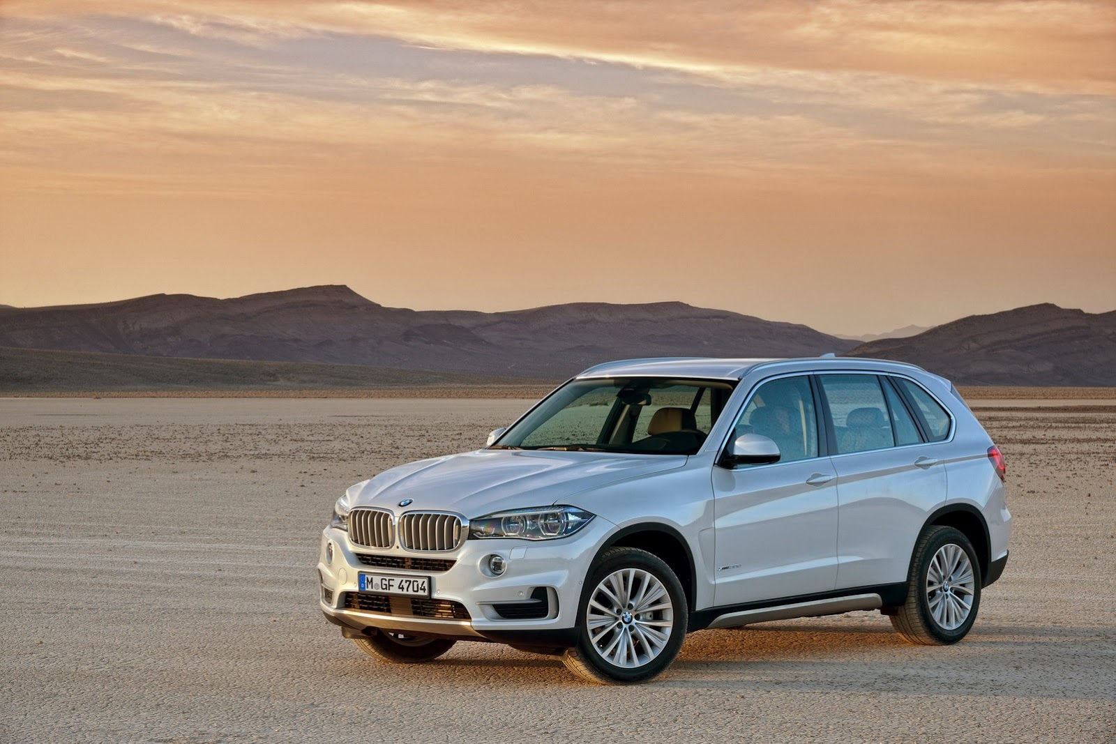 2014 BMW X5 4 2014 BMW X5 Features and details