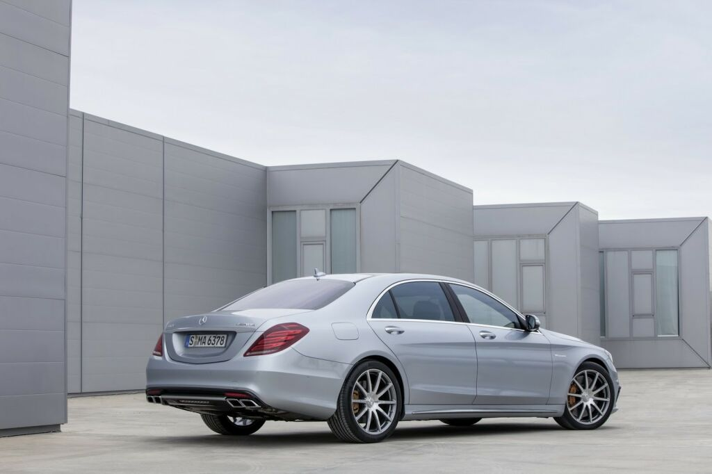 2014 Mercedes Benz S63 AMG 18 2014 Mercedes Benz S63 AMG features and photos