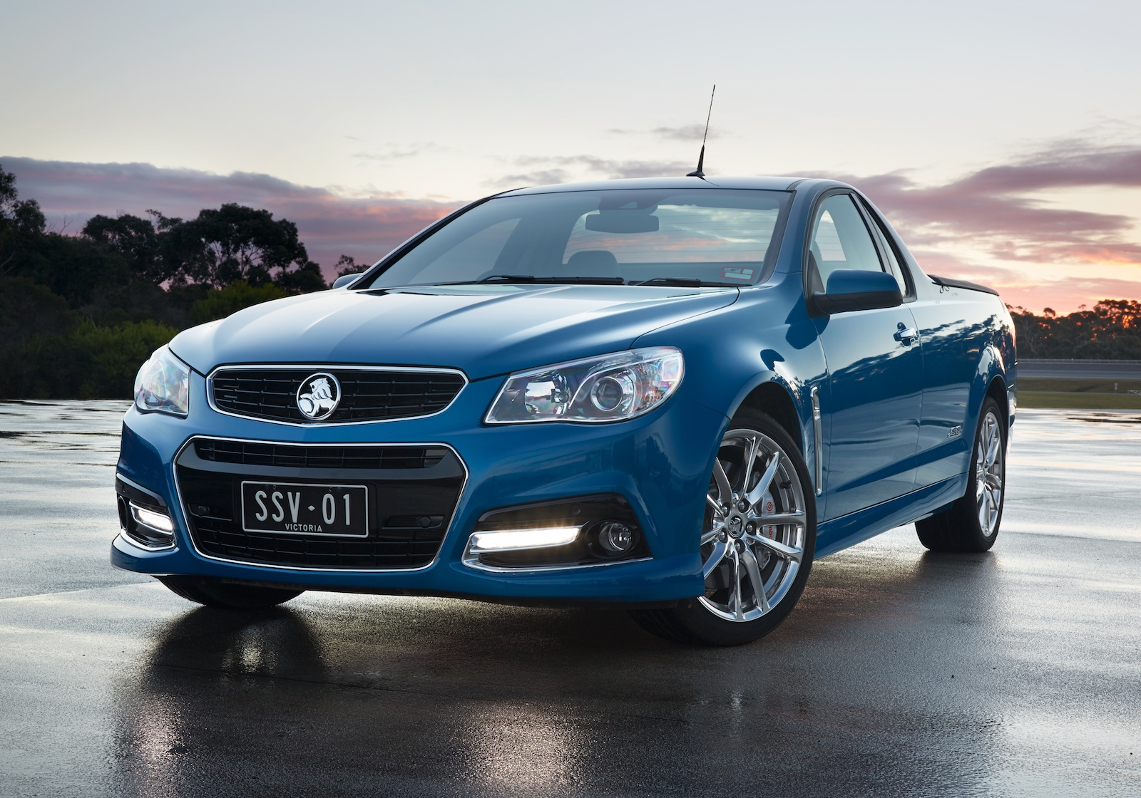 2014 Holden Vf Commodore Ute Ssv Redline Machinespider Com