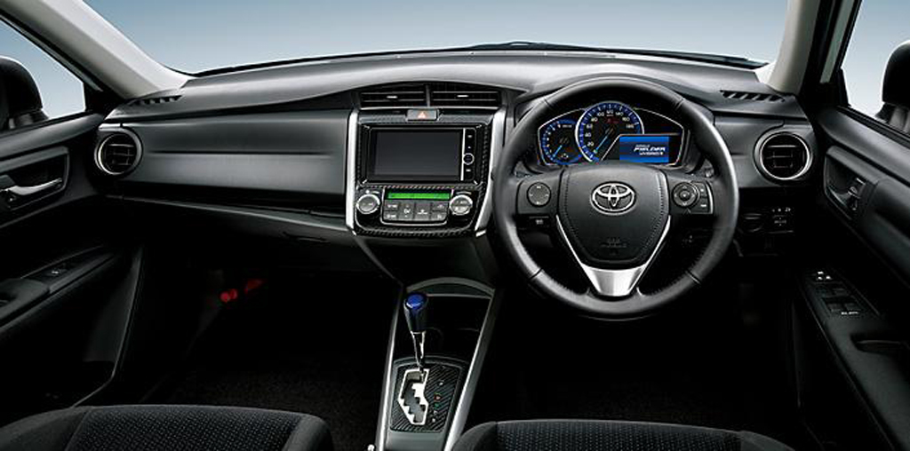 2014 Toyota Corolla Axio and Corolla Fielder Hybrids are launched in