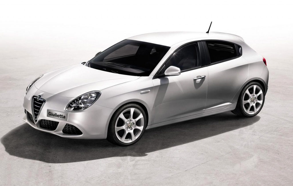 2014 alfa romeo giulietta facelift revealed. Black Bedroom Furniture Sets. Home Design Ideas