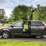 Dodge Grand caravan 30th Anniversary edition photos  (2)