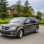 Dodge Grand caravan 30th Anniversary edition photos  (7)