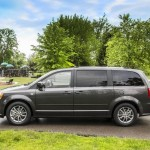 Dodge Grand caravan 30th Anniversary edition photos  (9)