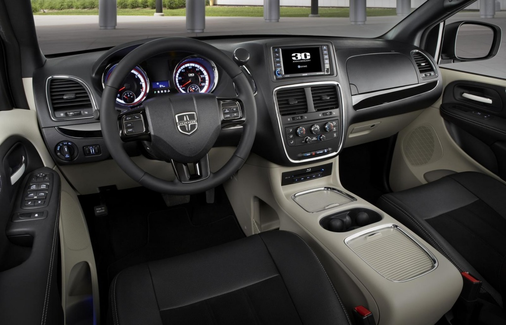 Interior Dodge Grand caravan 30th Anniversary edition photos 5 Dodge Grand caravan 30th Anniversary edition features and details