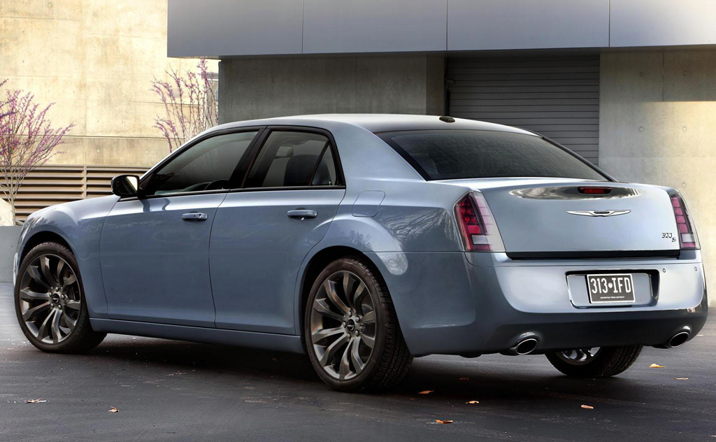 2014 Chrysler 300s 2 2014 Chrysler 300s details and features